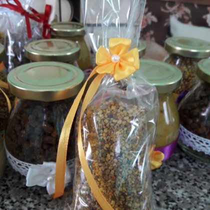 Pollen and bee bread 3.00- 4.00 EUR