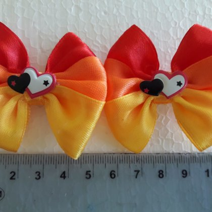 Colored bows 1.50 EUR