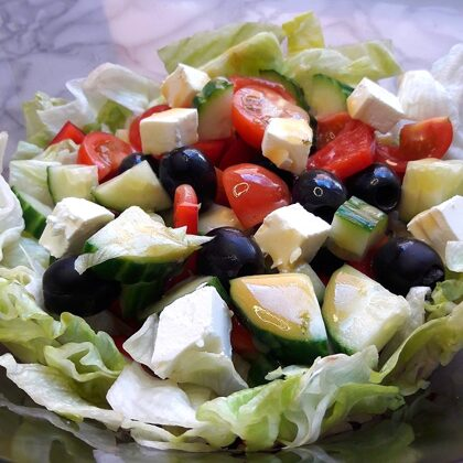 Zaļie salāti ar fetas sieru